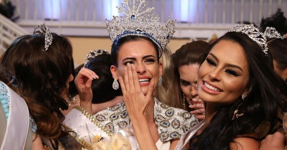 25.jun.2016 - A goiana Beatrice Fontoura, de 26 anos, foi eleita Miss Mundo Brasil 2016 em evento realizado no IL Campanario Villaggio Resort, em Jurerê Internacional (SC). Disputaram o título 41 candidatas