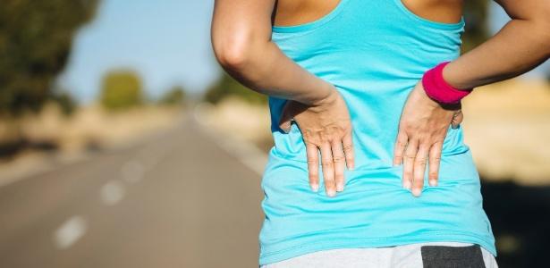 Dor nas costas não deveria impedir prática de exercícios físicos, dizem fisioterapeutas