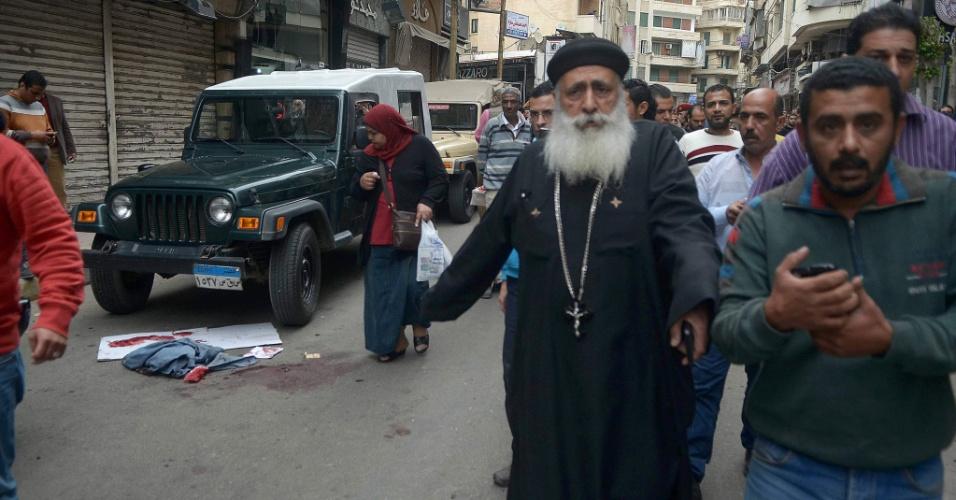 9.abr.2017 - Ataque com homem-bomba próximo à igreja copta de São Marcos, no norte do Egito