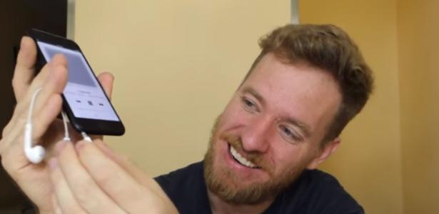 Scott Allen levou mais de 3 meses para conseguir colocar entrada de fone convencional no iPhone 7