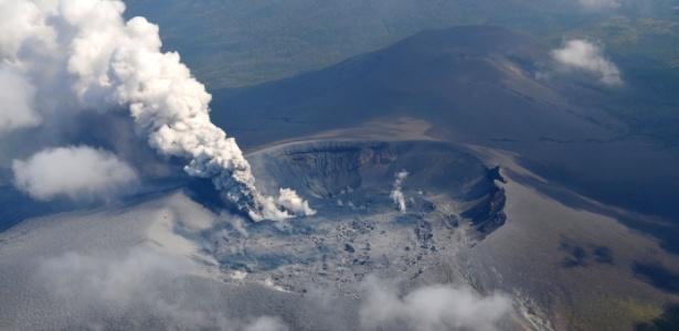 O vulcão Shinmoedake, no Japão, entrou em erupção em outubro, depois de 6 anos de inatividade