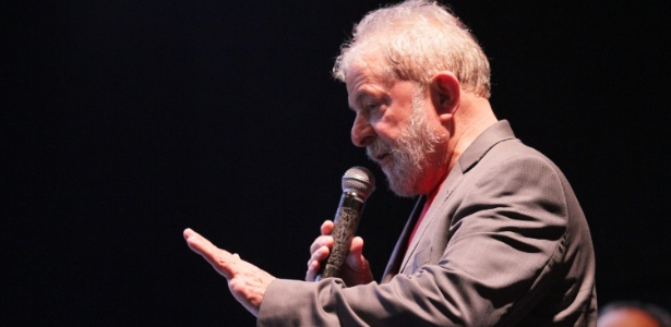 2.abr.2018 - Ex-presidente Lula durante ato no Rio de Janeiro