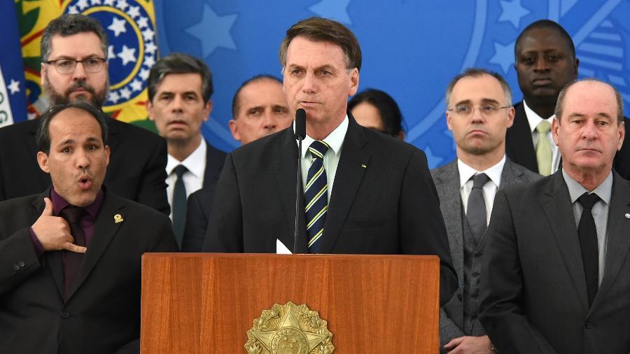 O presidente Jair Bolsonaro discursa após saída de Sergio Moro - CLÁUDIO REIS/FRAMEPHOTO/ESTADÃO CONTEÚDO