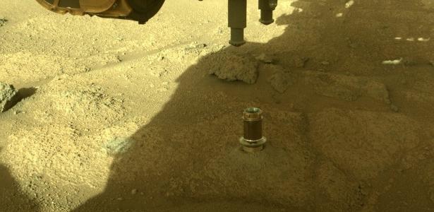 Astronomia   Sabre de luz? Nasa explica o que é objeto fotografado em Marte