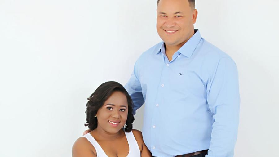 Dione Quirino, de 35 anos, e Amanda Cássia Lopes, de 27, celebrariam casamento no civil e na igreja - Reprodução/ Arquivo pessoal