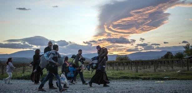 """""""Tragédias estão se multiplicando especialmente para os sírios"""", diz ONU"""