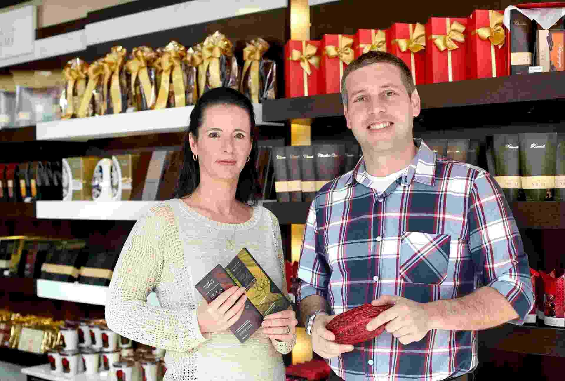 O casal de engenheiros Maitê Lang e Ivan Blumenschein fundou a Nugali, empresa de chocolates finos - Divulgação