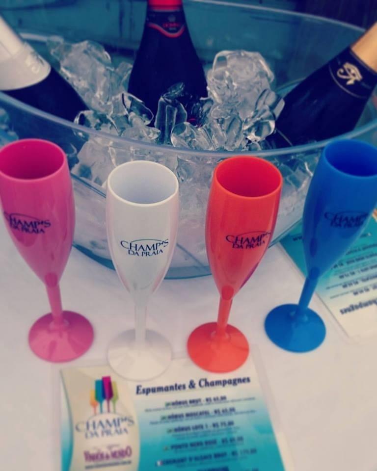 Taças para espumantes da empresa Champ's da Praia