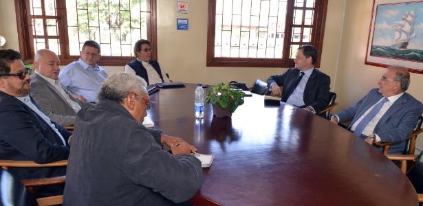Representantes do governo da Colômbia e das Farc participam de reunião em Bogotá - Xinhua/Omar Nieto Remolina/Oficina del Alto Comisionado para la Paz/COLPRENSA
