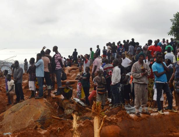 Milhares de pessoas ficaram sem moradia após os deslizamento de terra em Serra Leoa