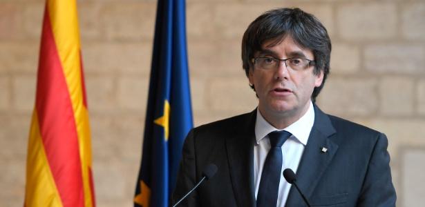 Carles Puigdemont se entregou à polícia na Bélgica, onde estava refugiado