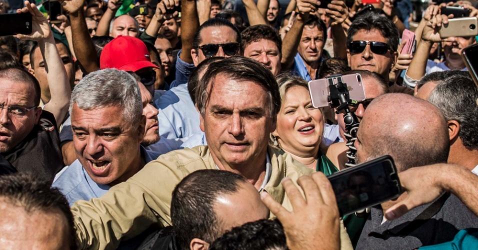 """""""Querem me tirar no tapetão?"""", questiona Bolsonaro sobre impugnação no TSE"""