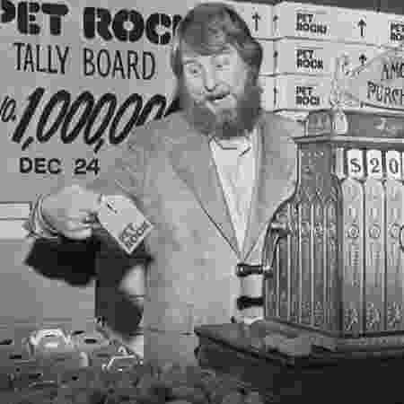 Gary Dahl vendeu 5 milhões de pedras de estimação em 1975, até que a moda passar após o Natal - Getty Images