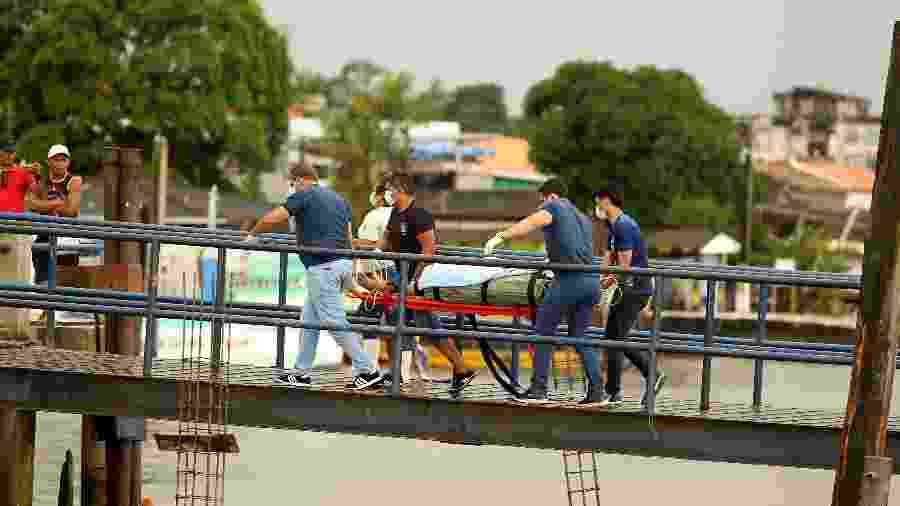 """Tripulante morre em navio de bandeira tailandesa """"Chamchuri Naree"""" - Raimundo Paccó/Framephoto/Estadão Conteúdo"""