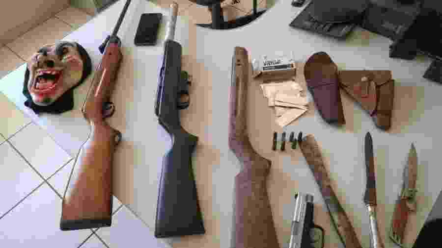 Polícia apreendeu armas e simulacro de pistola com adolescentes que planejavam atacar escola no interior de São Paulo - Divulgação/Polícia Civil