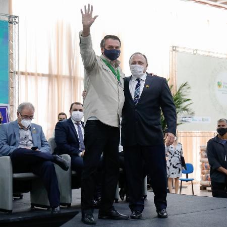 23.abr.2021 - Bolsonaro e Pazuello participaram da cerimônia de inauguração do Centro de Convenções do Amazonas - Alan Santos / PR