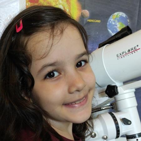 Nicolinha, de 8 anos, se tornou uma caçadora de asteroides e chamou a atenção até da Nasa - Arquivo pessoal