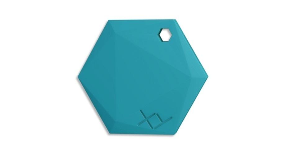 24.jul.2015 - O XY Find It é uma tag de localização: um pequeno dispositivo que você pode acoplar a algum objeto para encontrá-lo sempre que for esquecido ou perdido. Na prática, por exemplo, você pode colocá-lo em seu chaveiro ou sua carteira, e, quando estiver a mais 30 metros deles, seu celular notificará que esses objetos foram deixados para trás. O preço sugerido do gadget é R$ 100