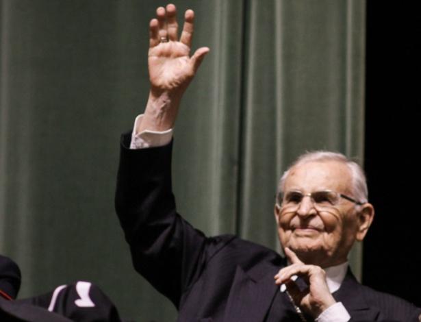 O cardeal e frade franciscano Dom Paulo Evaristo Arns foi homenageado no teatro da PUC, o TUCA, pelos 95 anos de idade, completos no dia 14 de setembro