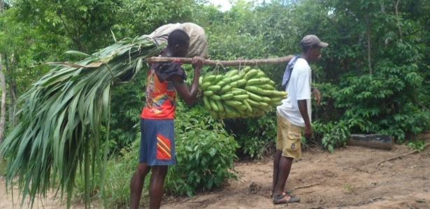 Membros da Comunidade Quilombola Iúna, na Bahia
