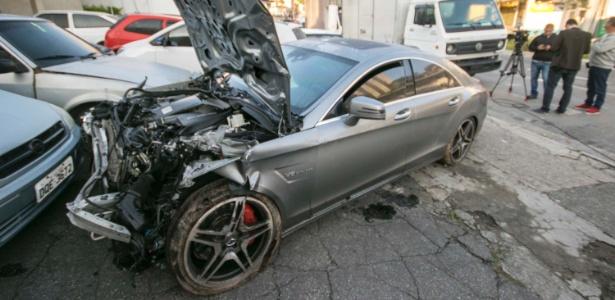 Mercedes de empresário após acidente que deixou mortos e feridos na Imigrantes - Marcelo Gonçalves/Sigmapress/Estadão Conteúdo