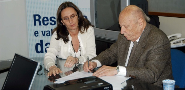O presidente da construtora Mendes Júnior, Murillo Mendes, durante assinatura de convênio - Divulgação
