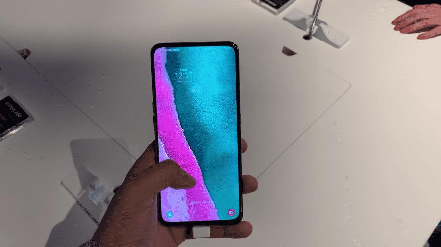 Galaxy A80, smartphone da Samsung que só possui tela na parte dianteira - UOL