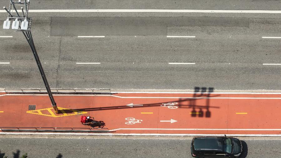 Com isolamento social, SP tem menos pessoas nas ruas; reflexo é sentido por motoristas de apps - Marcelo D. Sants/Framephoto/Estadão Conteúdo