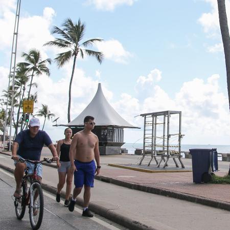 Praia de Boa Viagem, na Zona Sul de Recife (PE), fechada para evitar a contaminação pelo novo coronavírus - MARLON COSTA/ESTADÃO CONTEÚDO