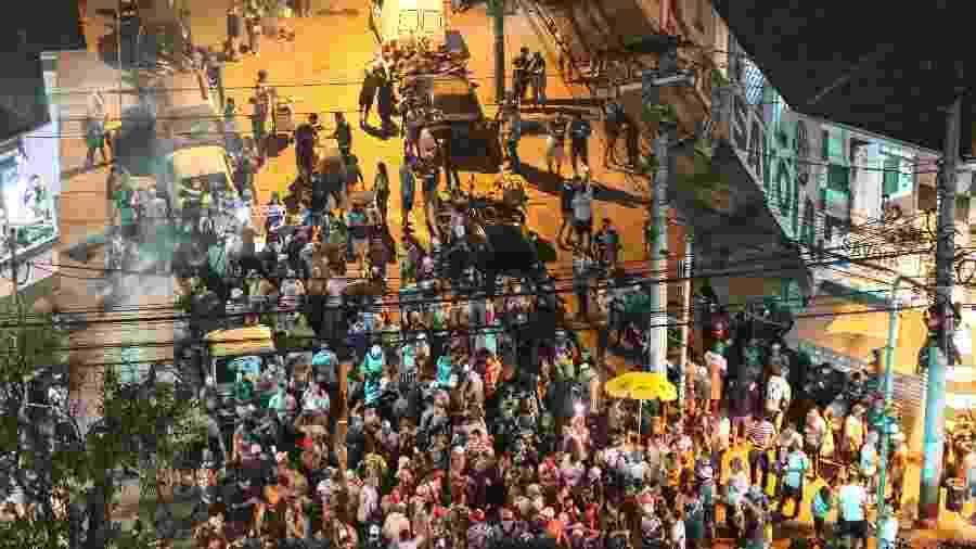 Torcedores se aglomeraram no dia da final do Campeonato Paulista entre Palmeiras e Corinthians - THIAGO BERNARDES/FRAMEPHOTO/FRAMEPHOTO/ESTADÃO CONTEÚDO