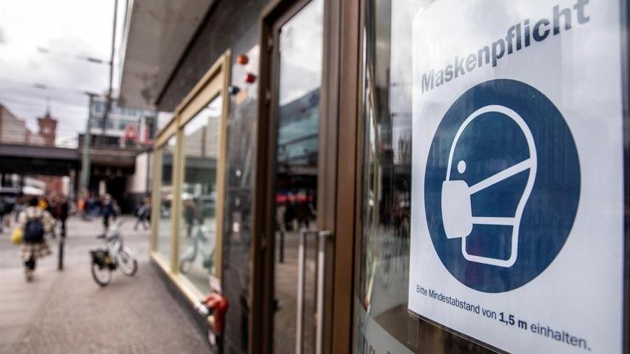 Alemanha endurece e prolonga até meados de fevereiro medidas contra covid-19 - EFE/EPA/OMER MESSINGER
