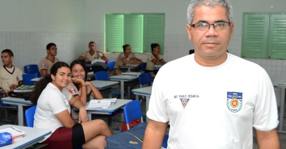 Paulo César dos Santos, professor de português e literatura, ressalta a importância do ensino de tradição e qualidade para o resultado satisfatório no Enem