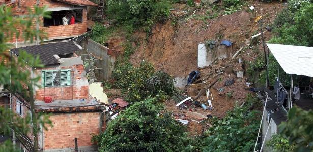 Deslizamentos como este em Mairiporã causaram 20 mortes na região no ano passsado
