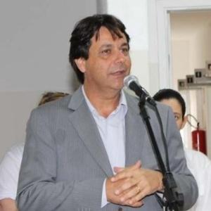 O prefeito Pascon diz que não tem dado vida fácil para a Odebrecht