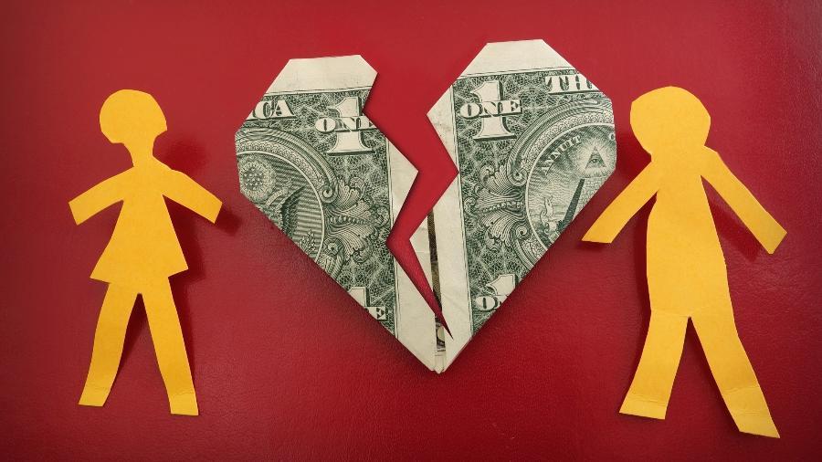 briga dinheiro, casal, economia, finanças, orçamento - Getty Images/iStockphoto