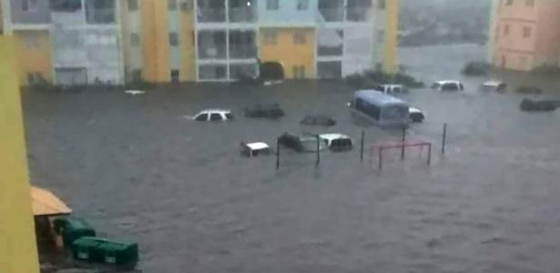 St Martin depois da passagem do furacão Irma