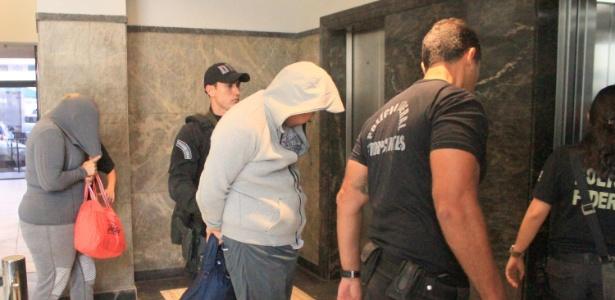 A Polícia Federal prende pessoas na Operação Antigoon no Rio de Janeiro (RJ), sob suspeita de tráfico internacional de drogas - José Lucena/Futura Press/Estadão Conteúdo