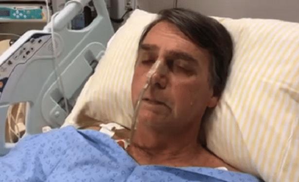 16.set.2018 - Internado em hospital em São Paulo, Jair Bolsonaro (PSL), candidato à Presidência, chora durante vídeo exibido ao vivo no Facebook