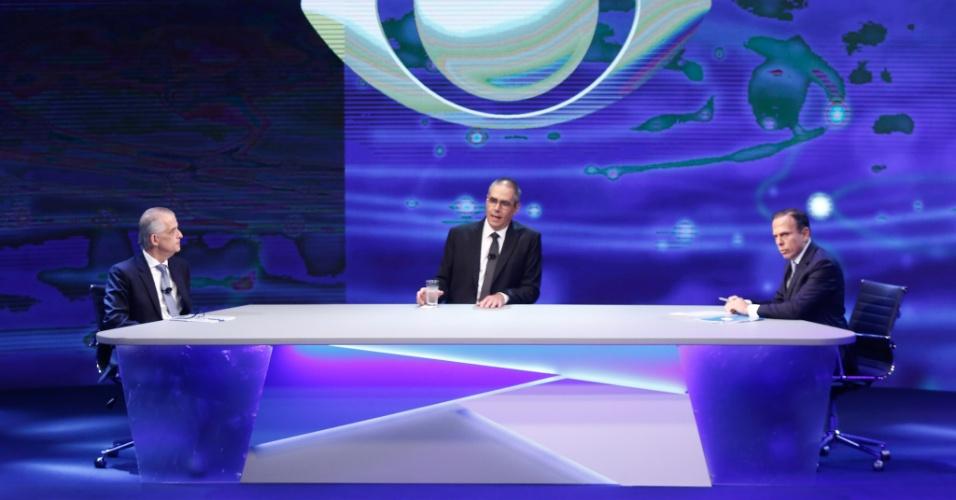 18.out.2018 - João Doria Jr. e Márcio França candidatos ao Governo de São Paulo e amadurante debate promovido pelo Grupo Bandeirantes, na sede da emissora na zona sul de São Paulo. na noite desta quinta-feira