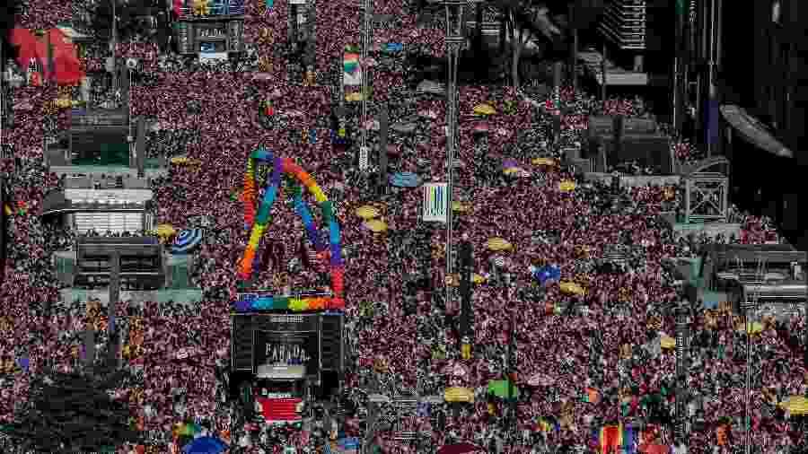 23.jun.2019 - Público durante a 23ª edição da Parada LGBT+, na avenida Paulista, em São Paulo - Eduardo Anizelli/Folhapress