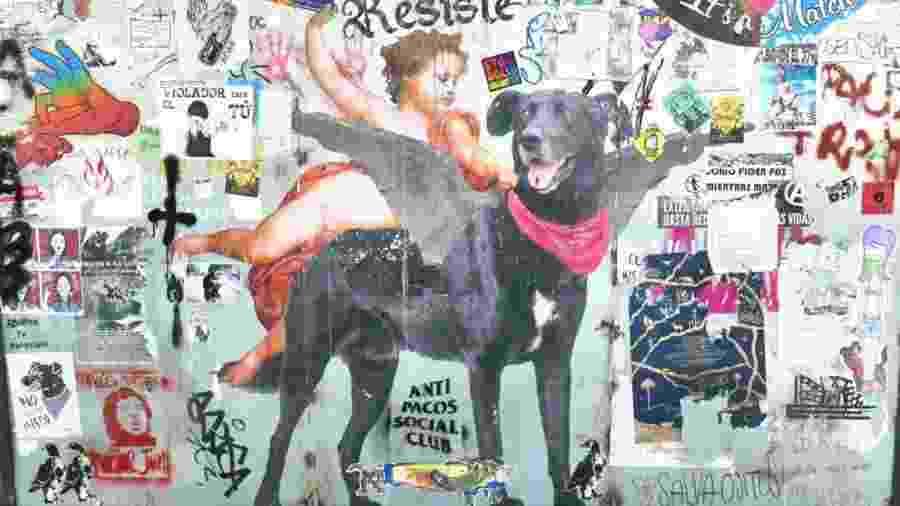O cão Matapacos virou símbolo dos protestos no Chile - Justine Fontaine/RFI