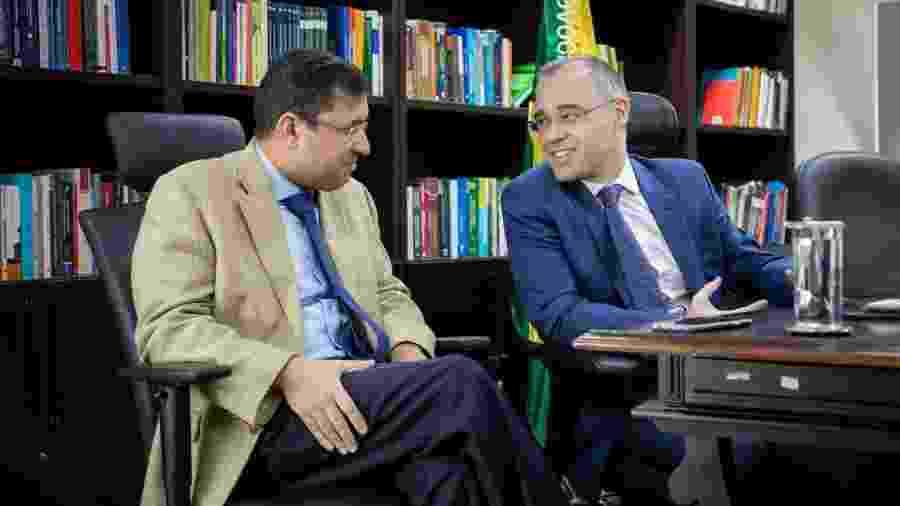 André Mendonça, novo ministro da Justiça, e seu substituto na AGU, José Levi, iniciam processo de transição - Renato Menezes/AGU