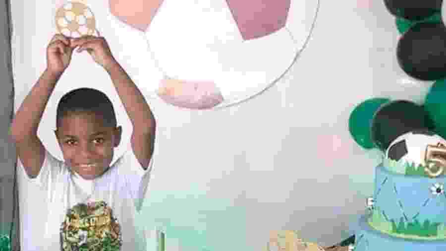 Morte de garoto de 5 anos enquanto estava aos cuidados da patroa de sua mãe causou comoção - Reprodução/Facebook