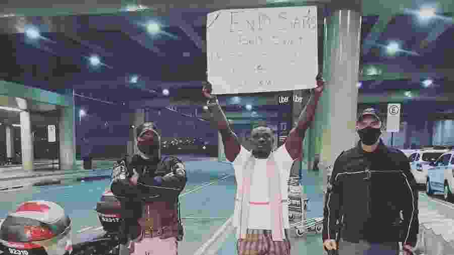 Brasileiro criado na Nigéria, o bacharel de direito Ibrahim Arolu, de 24 anos, foi expulso do aeroporto de Guarulhos após protestar contra a violência policial no país africano - Arquivo Pessoal