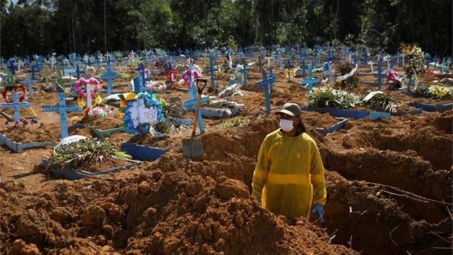 Manaus foi uma das cidades mais atingidas pela covid - Reuters