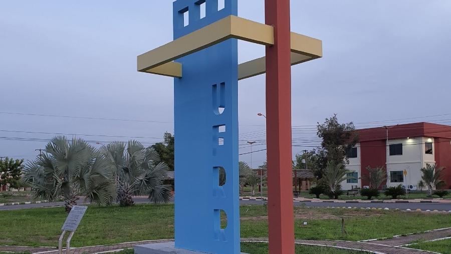 Monumento em frente à UFRR, Universidade Federal de Roraima - Ascom/UFRR