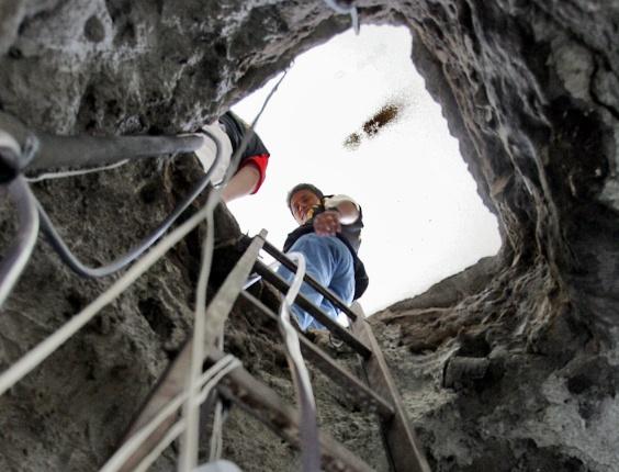 Túnel cavado por quadrilha para assaltar a sede do Banco Central em Fortaleza (CE) em 2005, levando mais de R$ 160 milhões