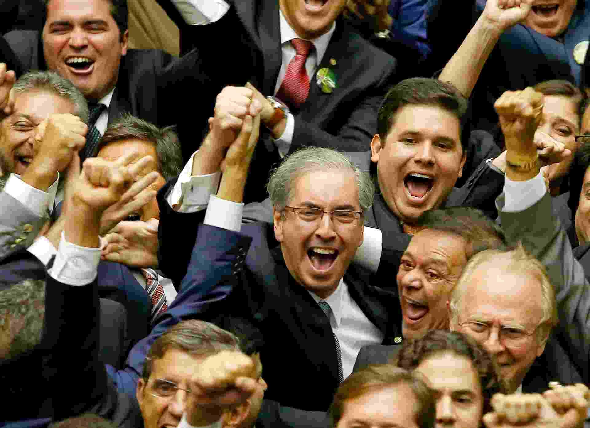 Ao receber o resultado da eleição para a presidência da Câmara, em fevereiro de 2015. Cunha obteve 267 votos, contra 136 do petista Arlindo Chinaglia, 100 de Júlio Delgado (PSB-MG) e 8 de Chico Alencar (PSOL-RJ) - Pedro Ladeira/Folhapress