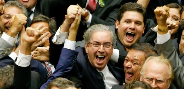 Eduardo Cunha (centro) comemora sua eleição para presidente da Câmara em 2015
