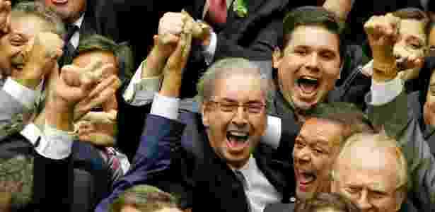 Eduardo Cunha (centro) comemora sua eleição para presidente da Câmara em 2015 - Pedro Ladeira/Folhapress